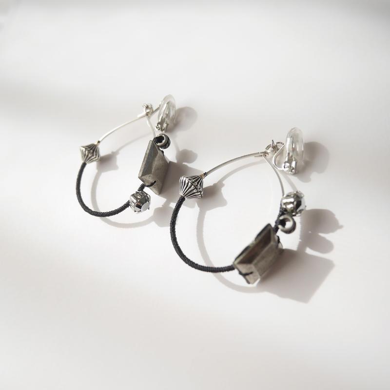 metal foop pierce/earrings Small BLACK