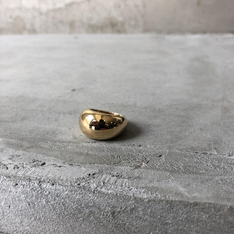Curved Surface Gold Ring