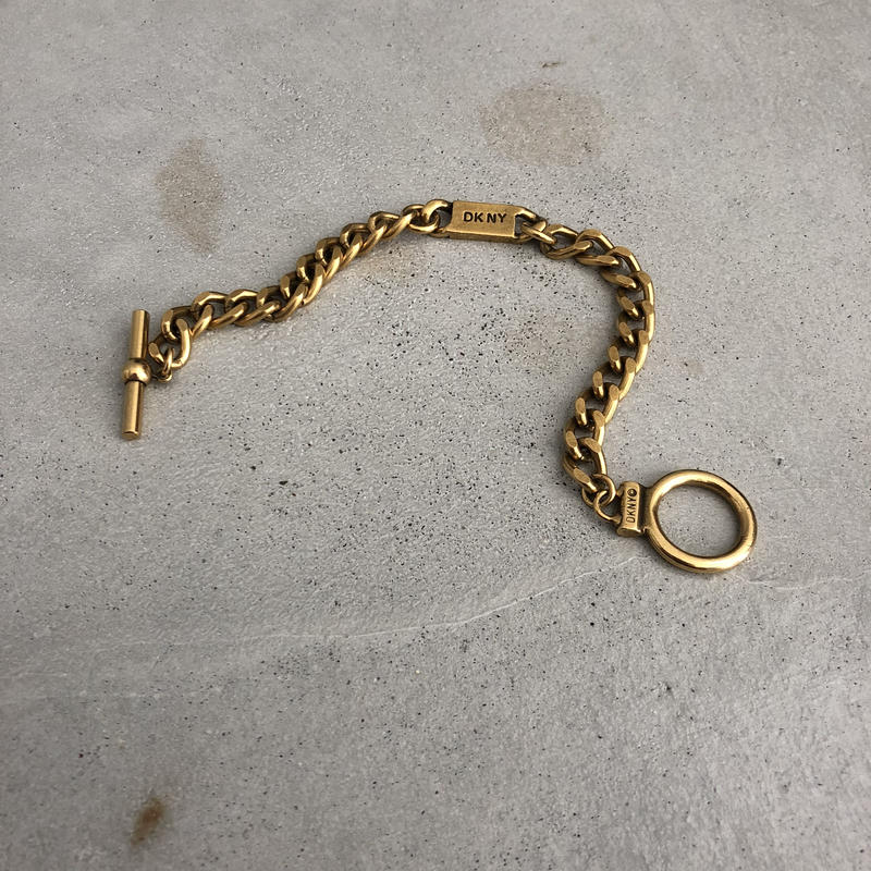 DKNY Single Gold Chain Bracelet