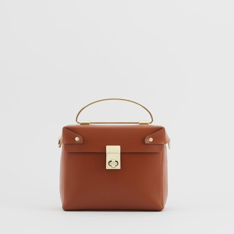 tov   SQUARE BOX BAG キャメル(#4-6-9702)