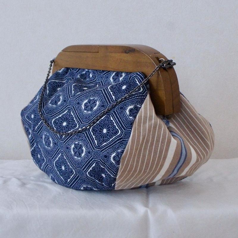木枠のがま口バッグ