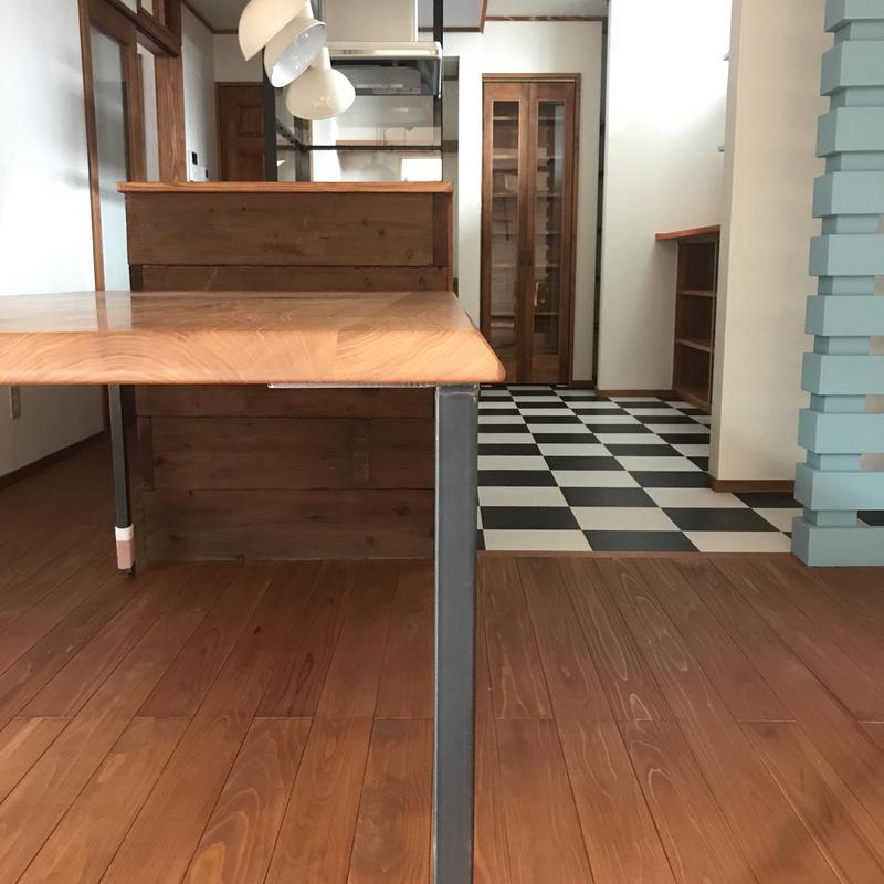 オニグルミダイニングテーブル