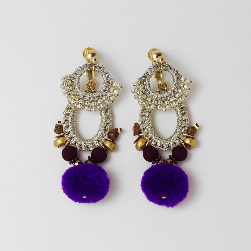 vita + earring