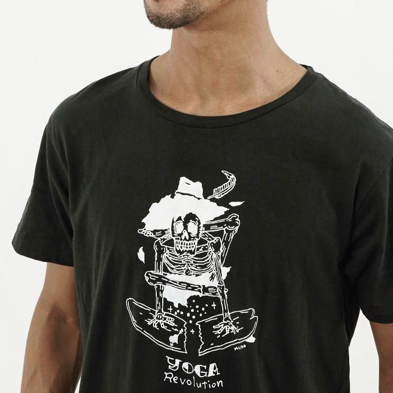 YUYA SARASHINA model T-shirts