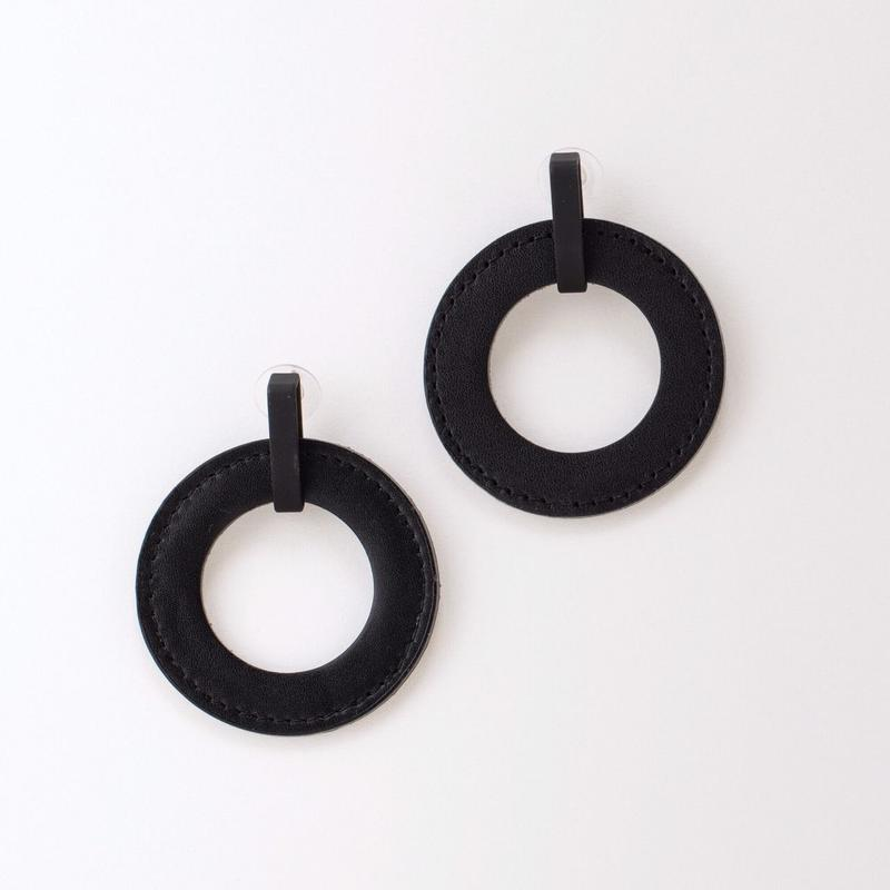 circle pierce (black)