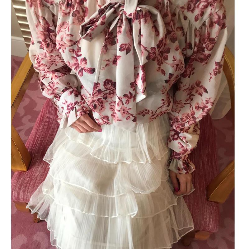 ドレスフリル薔薇ブラウス【シワになりにくい&美人度UP】