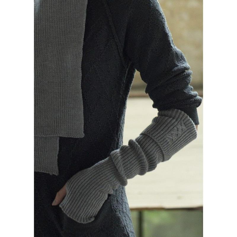 Wrist warmer Ulrika (4色あります・男女兼用デザイン)