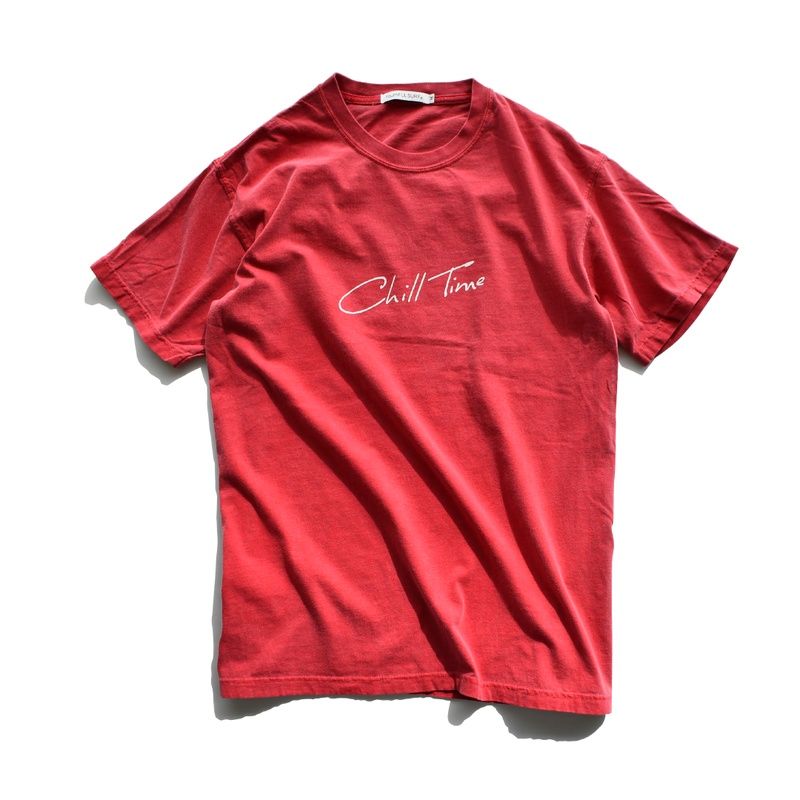 Chill Time Pigment Dyed Tee【Crimson】