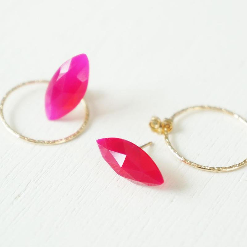K14gf fuchsia pink chalcedony pierce