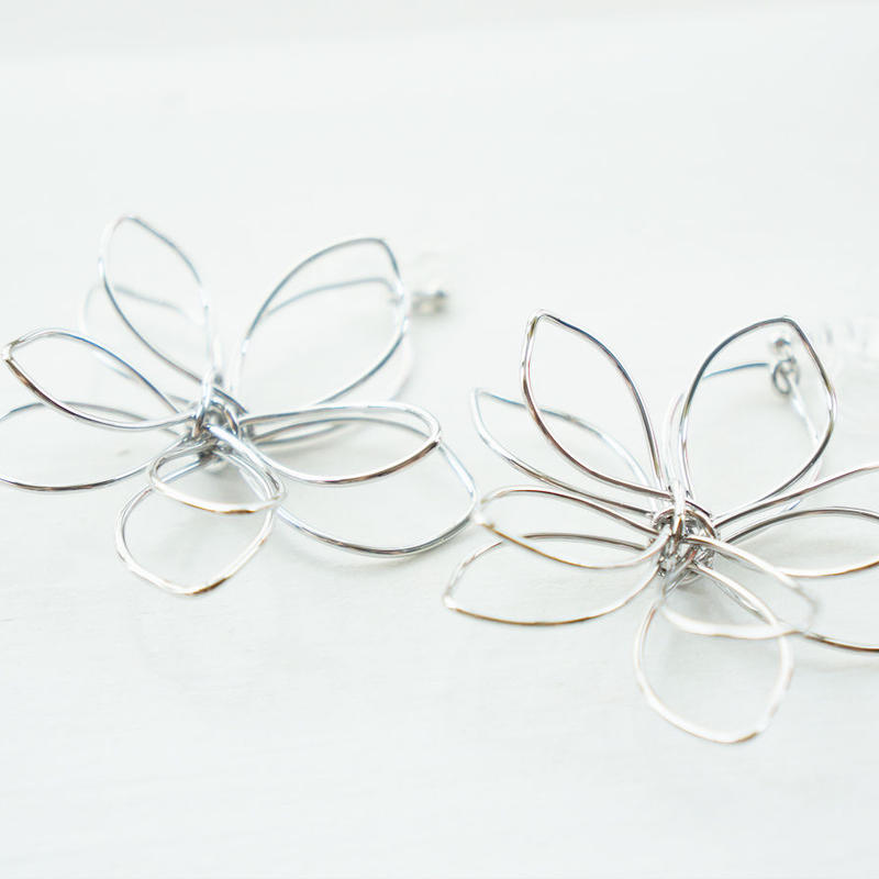 SV BIG flower earring (樹脂イヤリング)