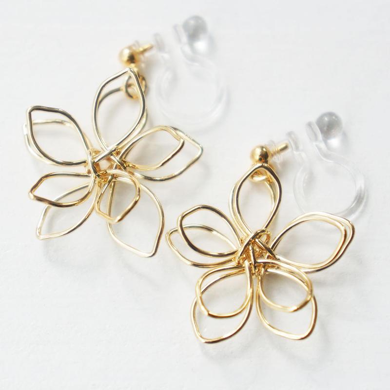 flower earring (樹脂ポスト)