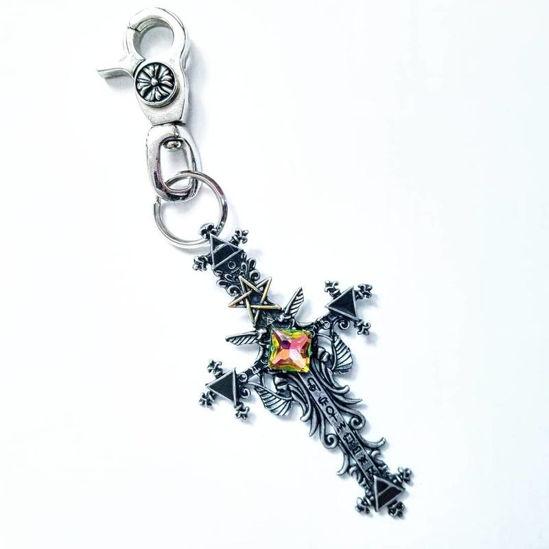 Gothic†Cross Charm