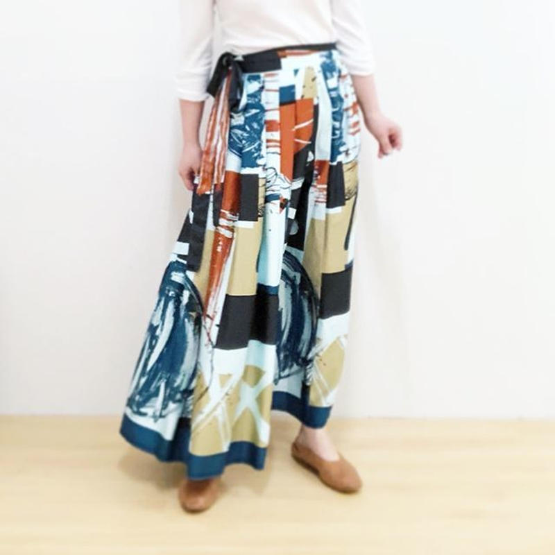 Hand print long  skirt (blue)