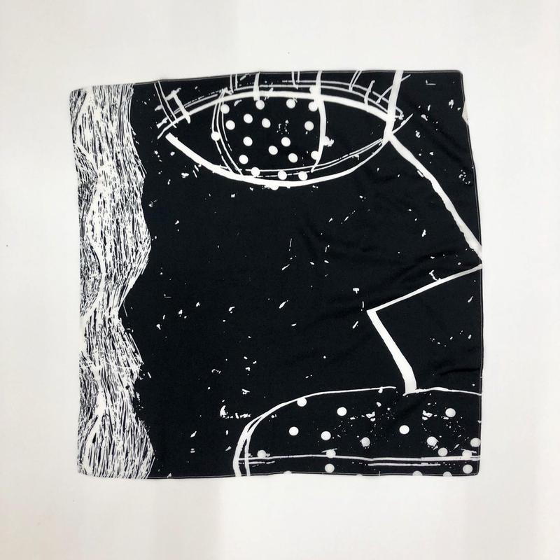 Hand print handkerchief01