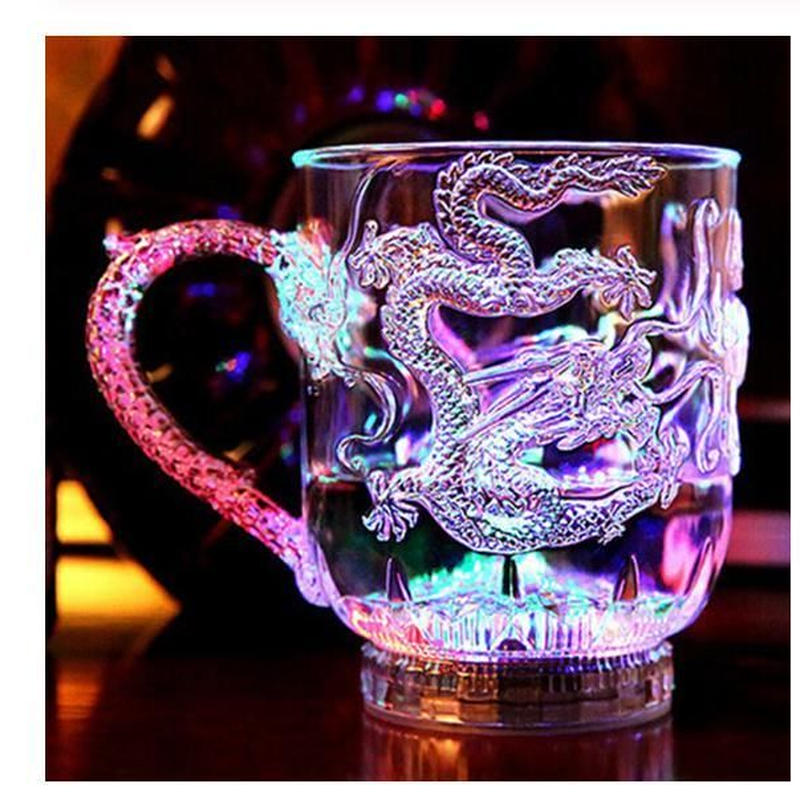 ドラゴンマグカップ 液体を注ぐとライトアップ LEDフラッシュカラー 竜 ビールジョッキ ウイスキー マグ