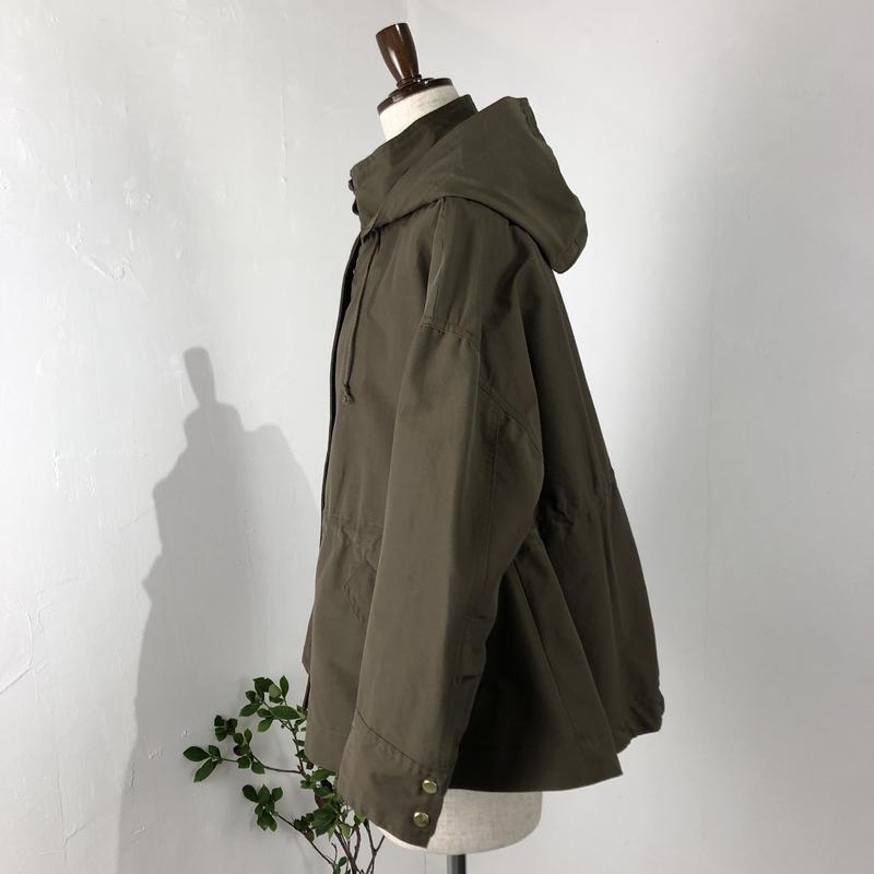 utilite   フードAラインショートジャケット  (カーキ)