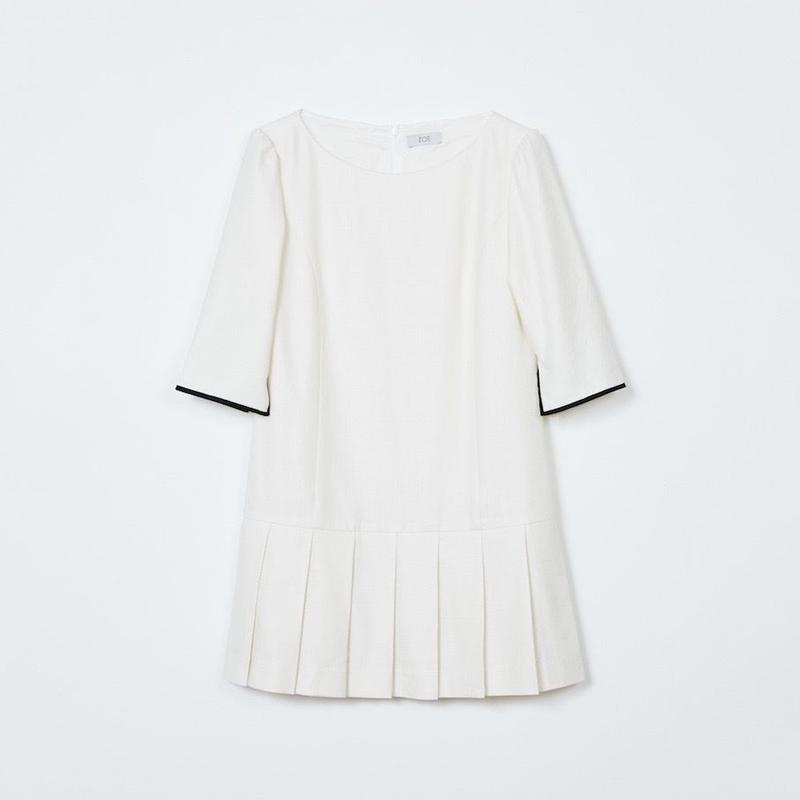 pleated mini dress / white