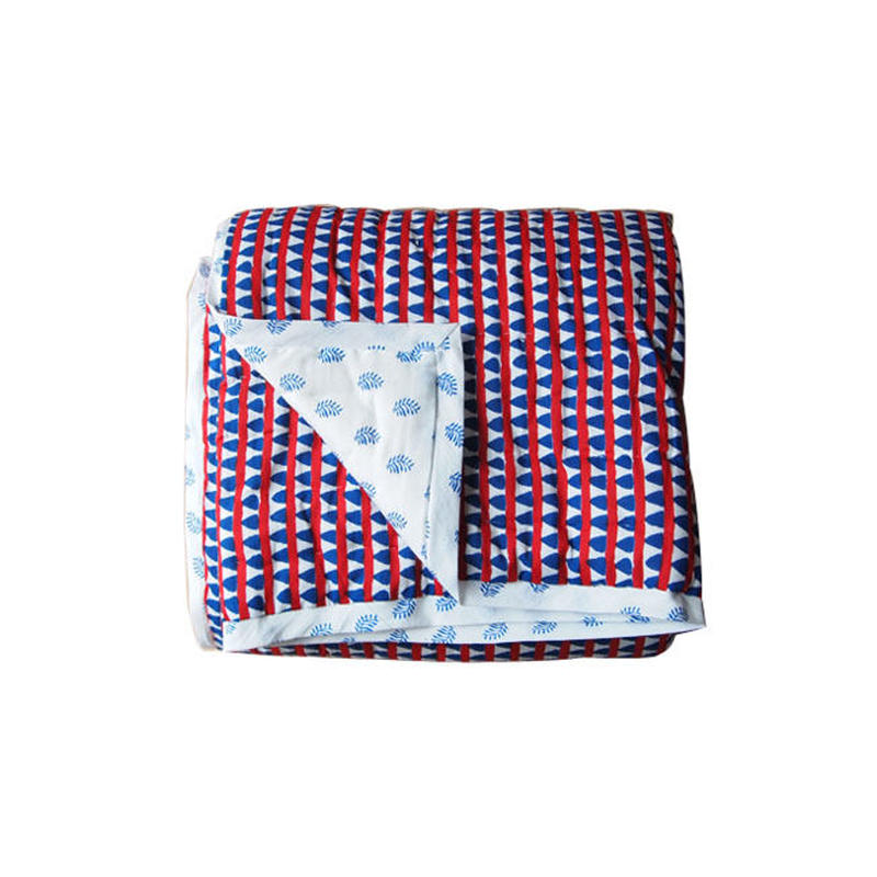 Le petit Lucas プチルカ baby quilt 115x140 Triangles
