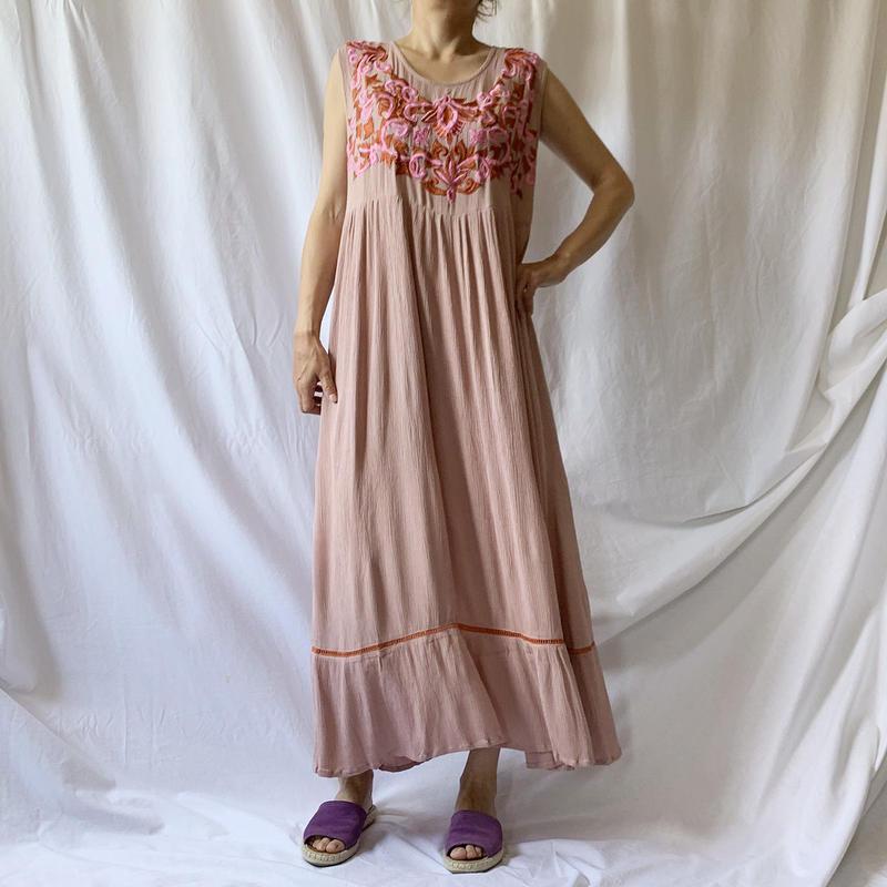 Manic Monday・Embroidery Sleeveless Dress(9S63010E)