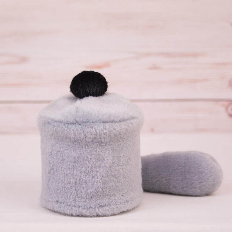 ペット用骨壺カバー / サイズ:3寸 / ベース:グレー / ボンボン:黒 / しっぽ:グレー(S032)