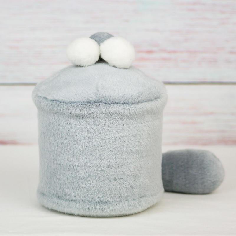 ペット用骨壺カバー / サイズ:4寸 / ベース:グレー / ボンボン:白・白・グレー / しっぽ:グレー(S164)