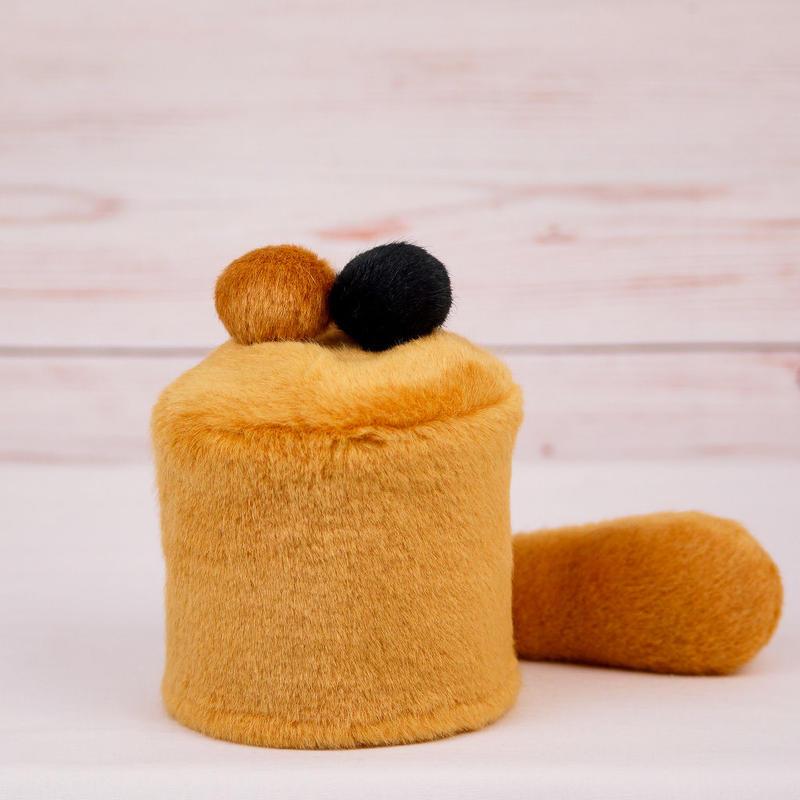 ペット用骨壺カバー / サイズ:3寸 / ベース:ブラウン / ボンボン:ブラウン・黒 / しっぽ:ブラウン(S050)