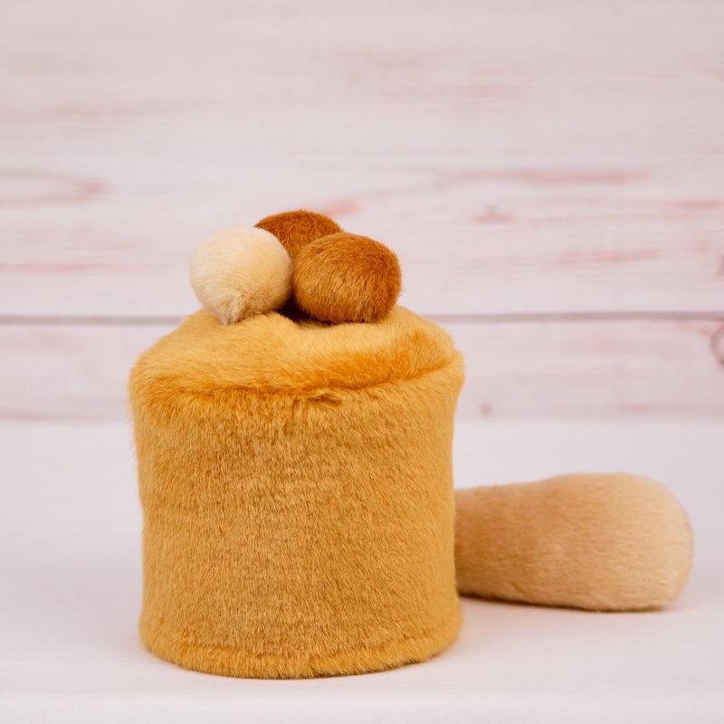 ペット用骨壺カバー / サイズ:3寸 / ベース:ブラウン / ボンボン:クリーム・ブラウン・ブラウン / しっぽ:クリーム(S058)