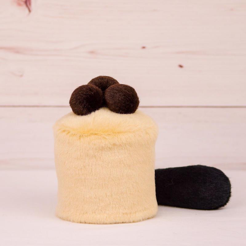 ペット用骨壺カバー / サイズ:3寸 / ベース:クリーム / ボンボン:ダークブラウン・ダークブラウン・ダークブラウン / しっぽ:黒(S001)