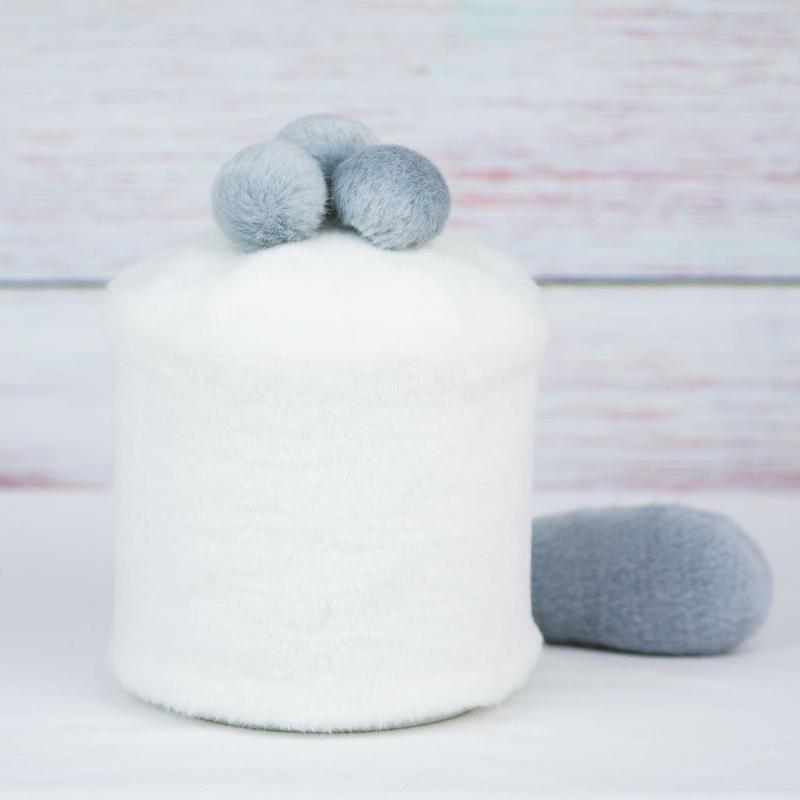 ペット用骨壺カバー / サイズ:4寸 / ベース:白 / ボンボン:グレー・グレー・グレー / しっぽ:グレー(S128)