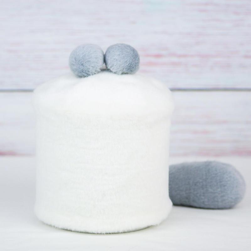 ペット用骨壺カバー / サイズ:4寸 / ベース:白 / ボンボン:グレー・グレー / しっぽ:グレー(S130)