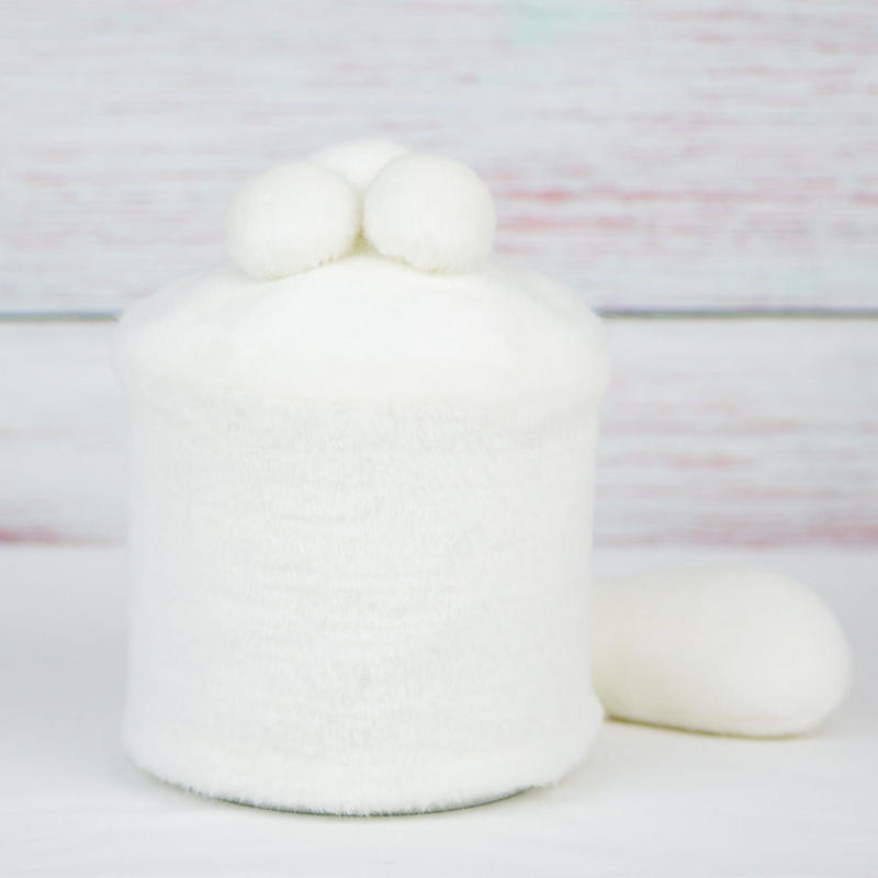 ペット用骨壺カバー / サイズ:4寸 / ベース:白 / ボンボン:白・白・白 / しっぽ:白(S147)