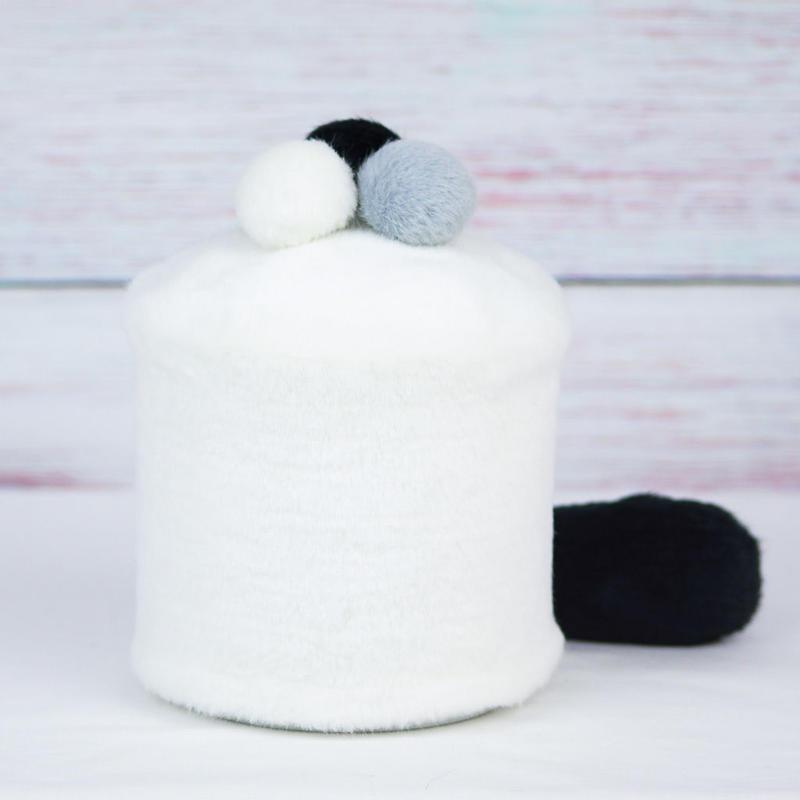 ペット用骨壺カバー / サイズ:4寸 / ベース:白 / ボンボン:白・グレー・黒 / しっぽ:黒(S124)