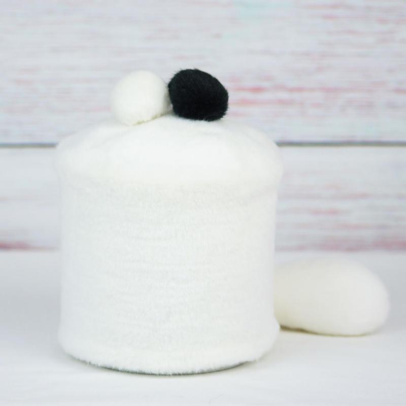 ペット用骨壺カバー / サイズ:4寸 / ベース:白 / ボンボン:白・黒 / しっぽ:白(S122)