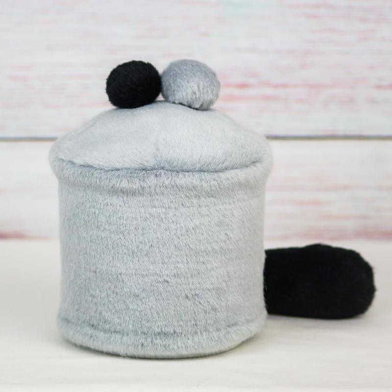 ペット用骨壺カバー / サイズ:4寸 / ベース:グレー / ボンボン:黒・グレー / しっぽ:黒(S170)