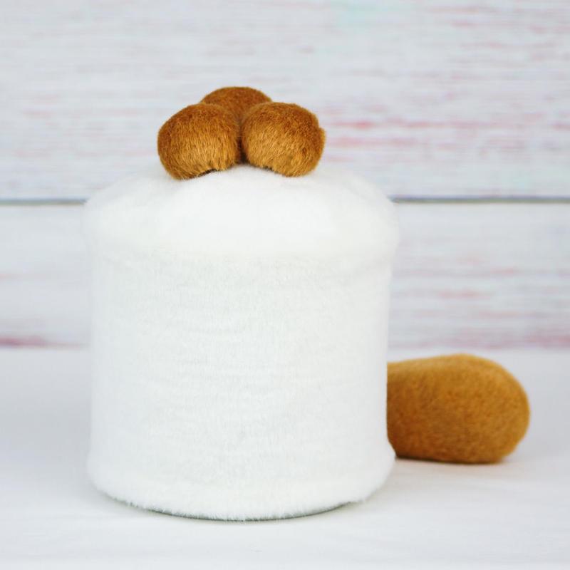 ペット用骨壺カバー / サイズ:4寸 / ベース:白 / ボンボン:ブラウン・ブラウン・ブラウン / しっぽ:ブラウン(S142)