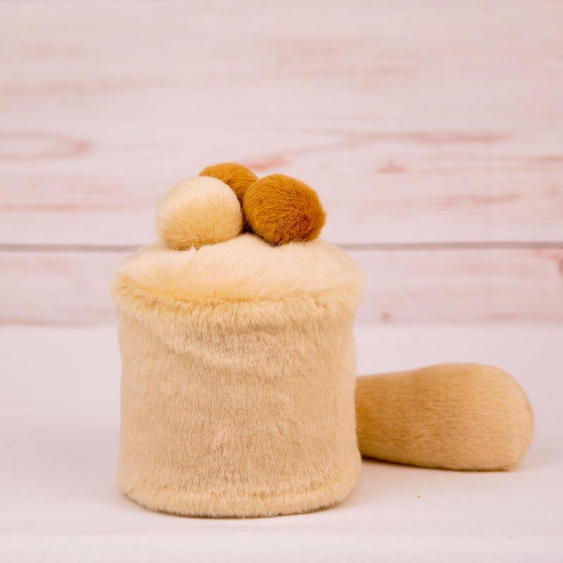 ペット用骨壺カバー / サイズ:3寸 / ベース:クリーム / ボンボン:クリーム・ブラウン・ブラウン / しっぽ:クリーム(S005)