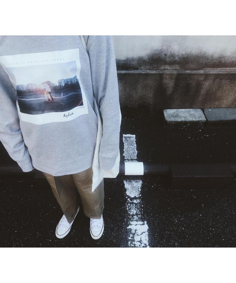 Photography Museum Sweat (gray)