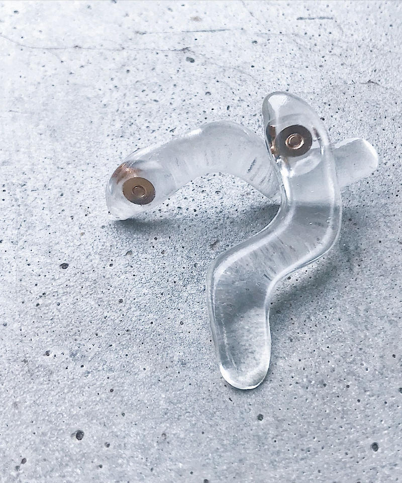 Watery Line Earrings(L) clear