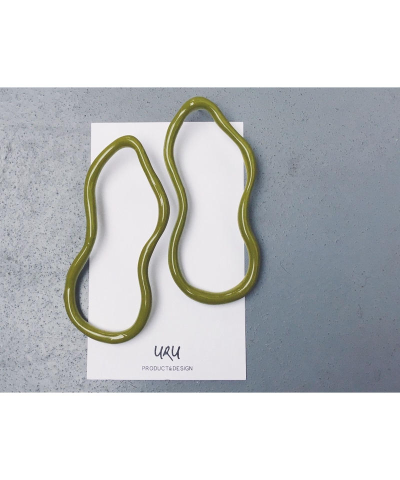 Uneven Oval Earrings(pistachio green)