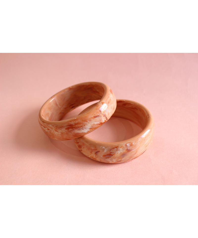 Bent pink beige marble bangle