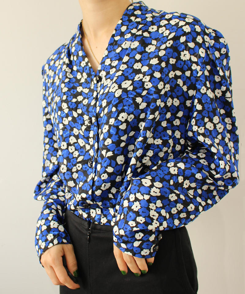blue flower no collar blouse