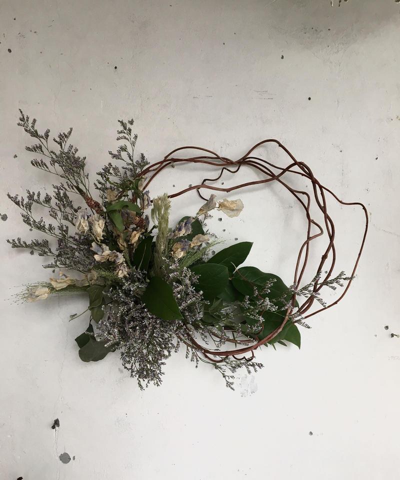 寒色の枝みせリース