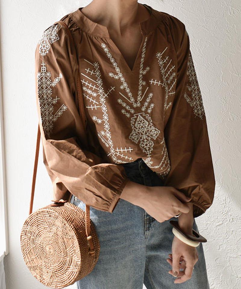 5月上旬~5月中旬入荷分 予約販売 tops-02059 刺繍ブラウス ブラウン ホワイト