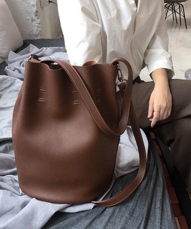 bag2-02378 ブラウン フェイクレザー巾着バッグ ポーチ付き ハンドバッグ ショルダーバッグ