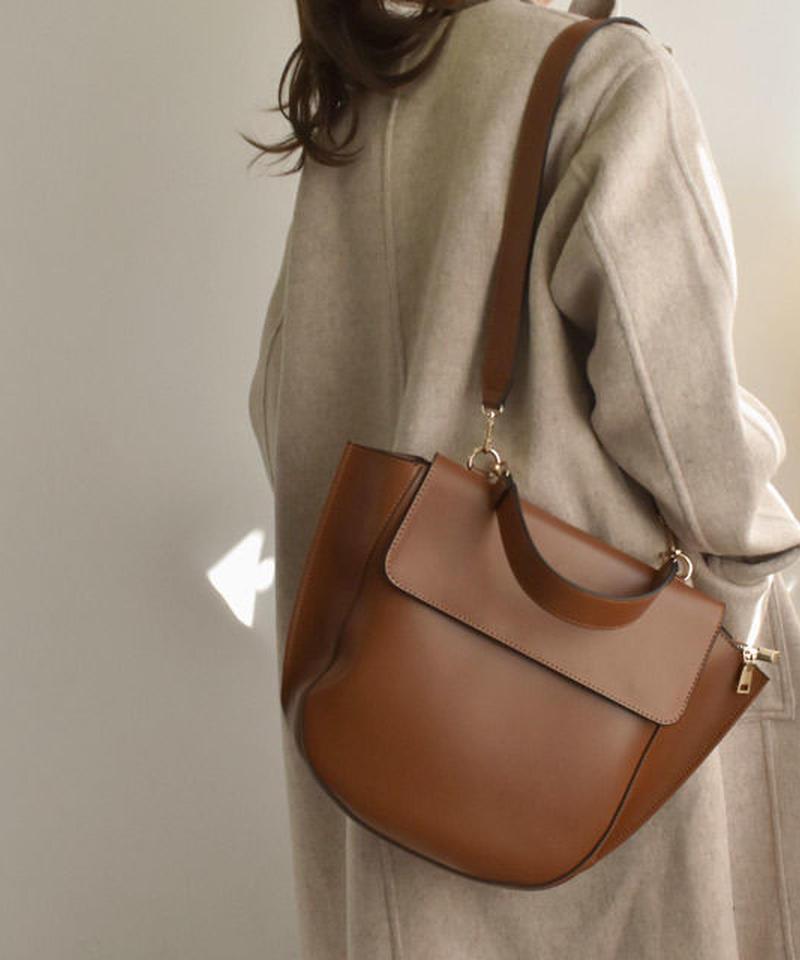 bag2-02443 ブラウン ハーフムーンハンドバッグ ショルダーベルト付き