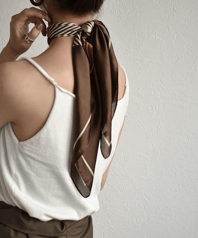 mb-scarf-02011 パターン柄スカーフ ベージュ ブラウン