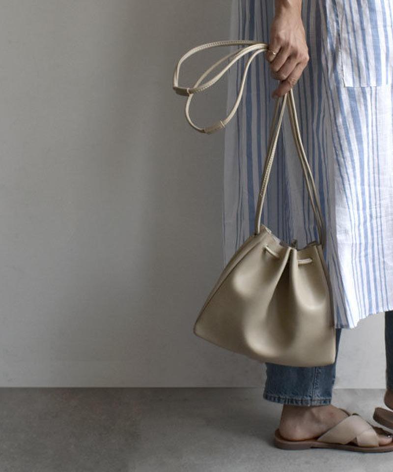 mb-bag2-02370 フェイクレザー シンプル巾着バッグ ベージュ キャメル ブラック