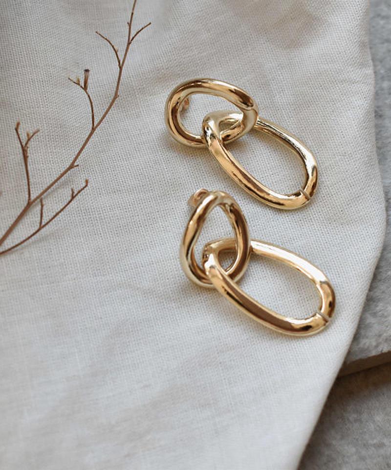 nh-pierce2-02227 ゴールド ゆがみサークル&オリーブ型フープ ピアス