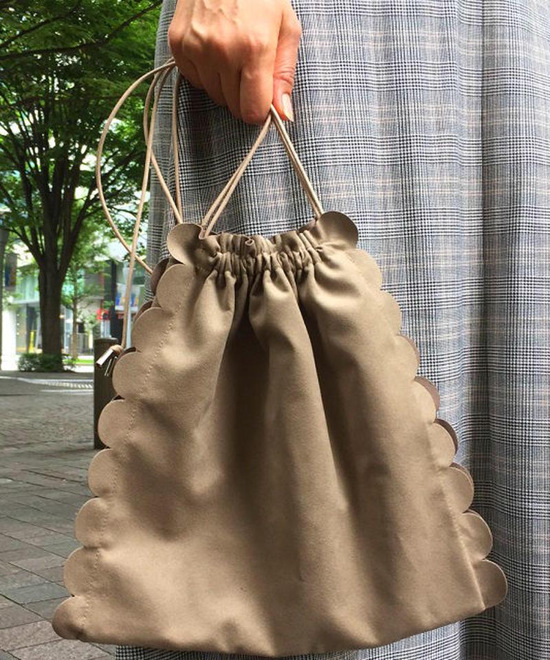 mb-bag2-02220 ベージュ フェイクスエード スカラップ巾着バッグ 日本製
