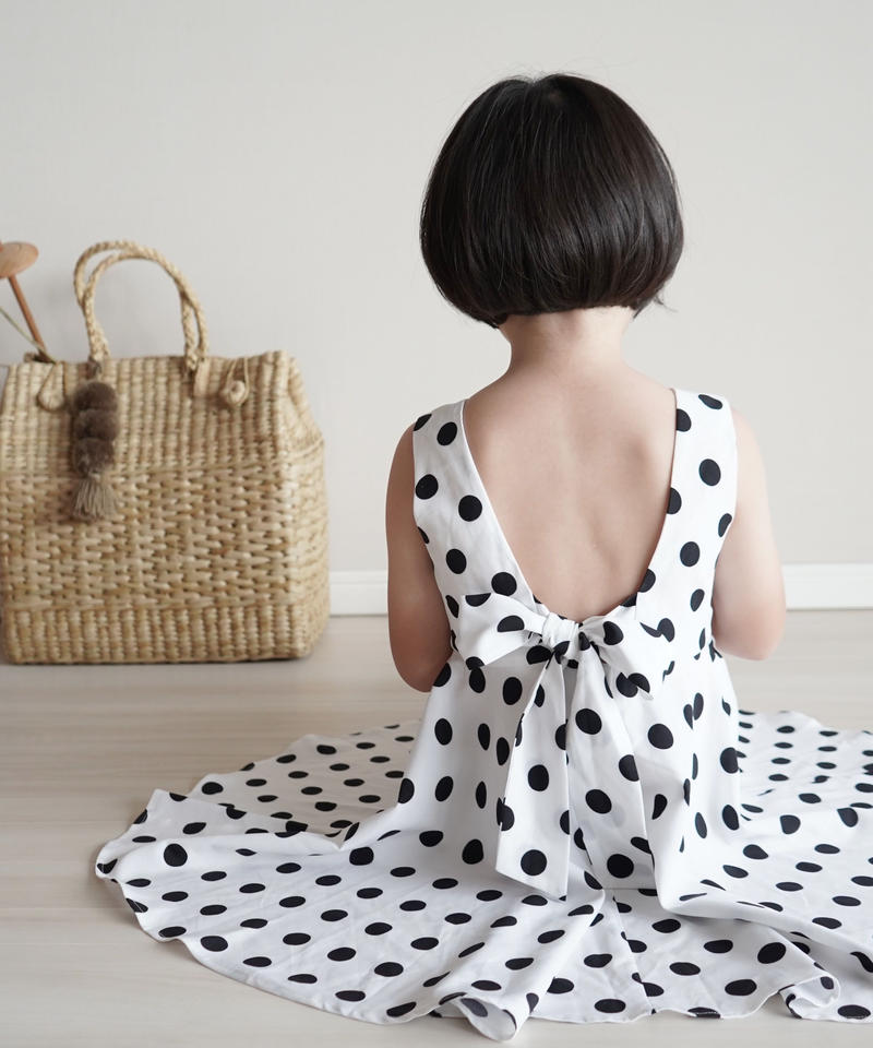 Polka dots back ribbon dress